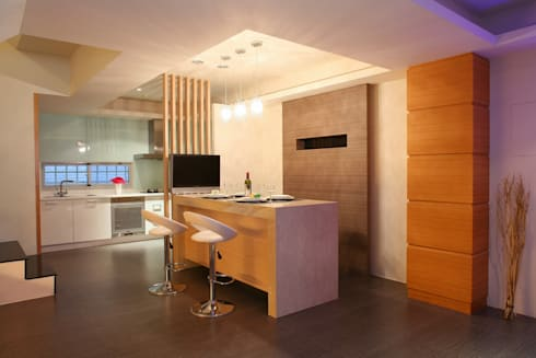 畝田-郭公館:   by 築采設計 - Leve Interior Architects