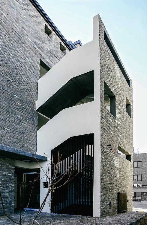 Tree_BOX: AAPA건축사사무소의  다가구 주택
