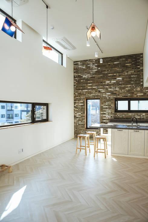 Tree_BOX: AAPA건축사사무소의  주방