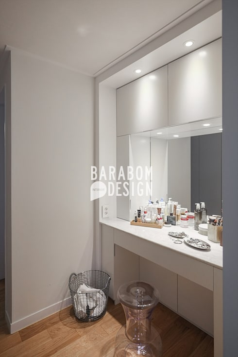 잠원동 50평 인테리어: 바라봄디자인의  드레스 룸