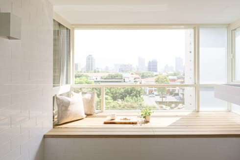 無印良品。輕暖宅:  露臺 by 文儀室內裝修設計有限公司