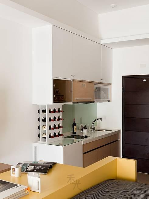 完美女人窩:  廚房 by 禾光室內裝修設計 ─ Her Guang Design