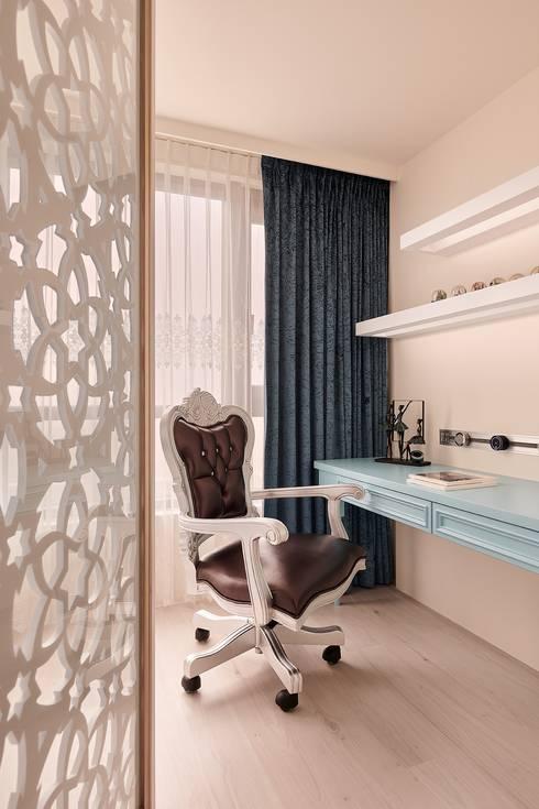 與群星擁抱 書房設計:  書房/辦公室 by 趙玲室內設計