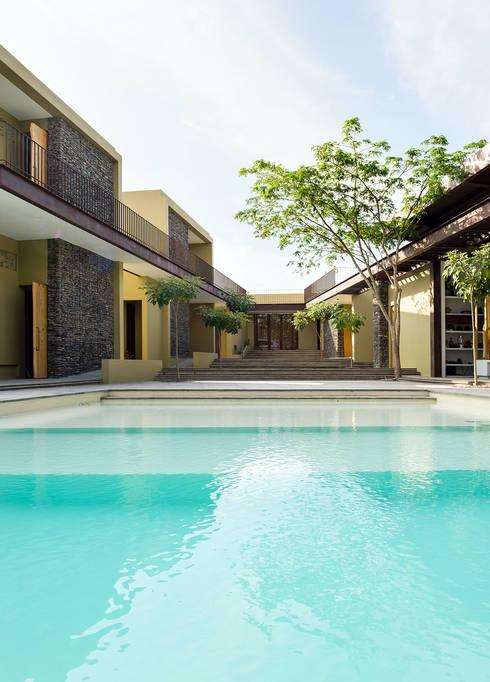 безкрайній басейн by NOAH Proyectos SAS