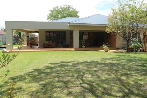 clovelly road, Greenside:   by Form Add Function