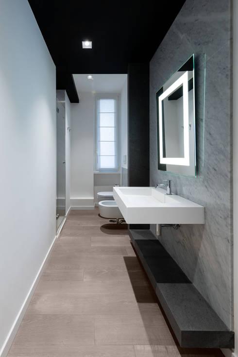 Baños de estilo  por Patrizia Burato Architetto