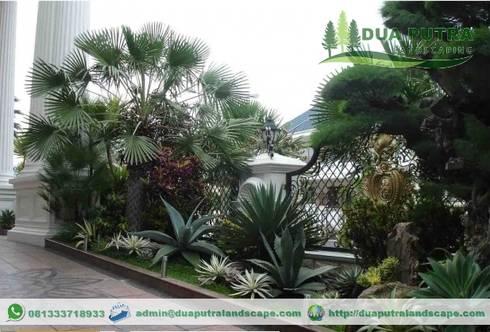 Tukang Taman Jakarta Barat:  Halaman depan by Dua Putra Landscape