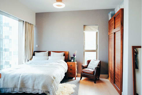 bedroom : classic Bedroom by The Realizes Co