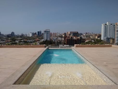PISCINA EDIFICIO PETRUS 64 - BARRANQUILLA ATLANTICO: Piscinas infinitas de estilo  por Premier Pools S.A.S.