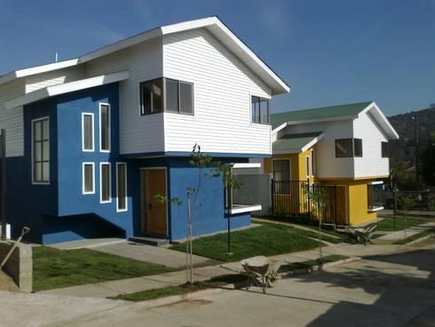 Condominio en El Rocio – Quilpué: Casas unifamiliares de estilo  por Andes Arquitectura & Construcción