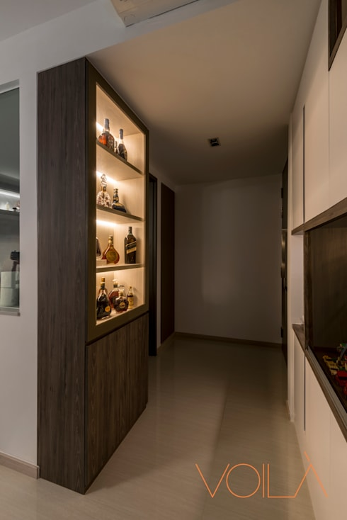 27 Anchorvale Crescent, Bellewaters:  Wine cellar by VOILÀ Pte Ltd