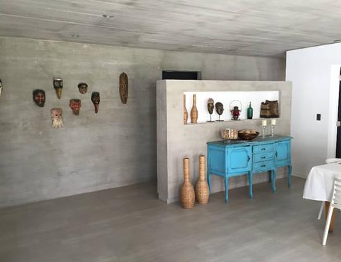 Vista interior: Livings de estilo moderno por MAC SPA