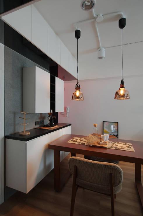 邁向建築:  餐廳 by 御見設計企業有限公司