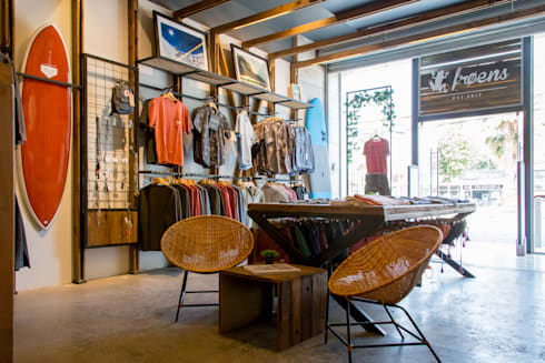 Tienda Froens – Luis Pasteur: Espacios comerciales de estilo  por milimetroMETRO Arquitectura