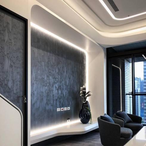 Modern meets culture and heritage :  書房/辦公室 by On Designlab.ltd