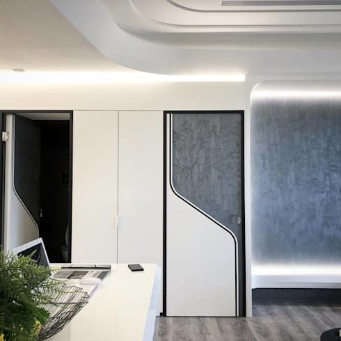 Modern meets culture and heritage :  客廳 by On Designlab.ltd