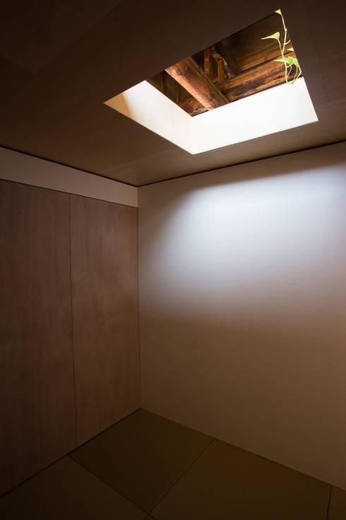 House NI: 1-1 Architects 一級建築士事務所が手掛けた和室です。