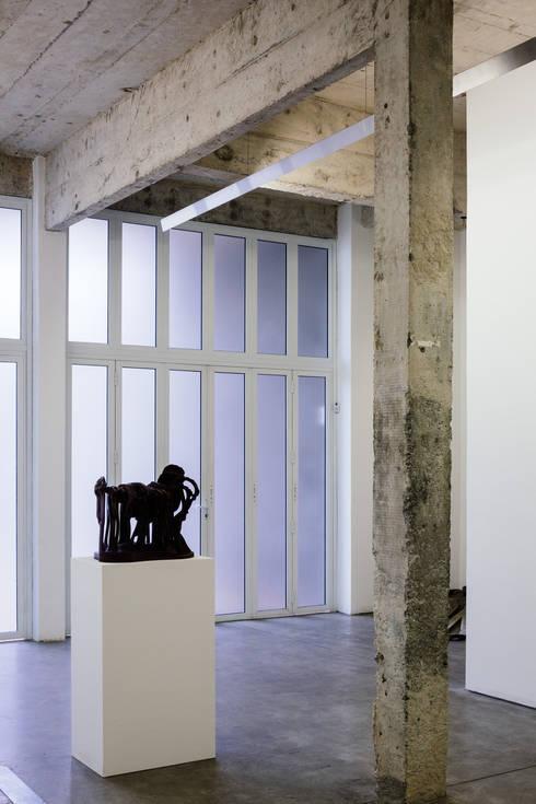 Galeria Pilar: Espaços comerciais  por Fabio Rudnik Arquitetura