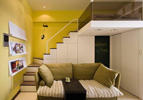 幸福「貓」寓所:  樓梯 by 禾光室內裝修設計 ─ Her Guang Design