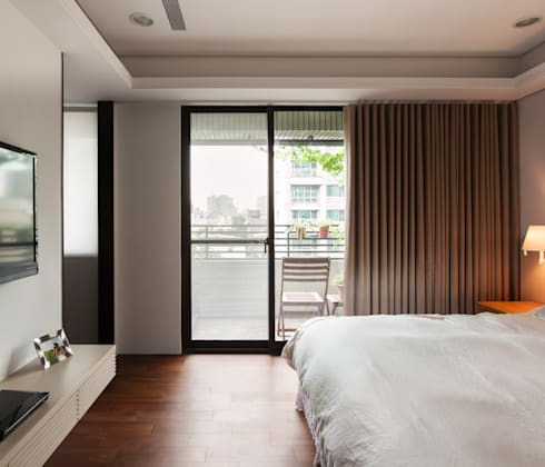 Bedroom:  Kamar Tidur by March Atelier