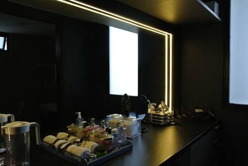 Vanity area:   by FINE ART LIVING PTE LTD