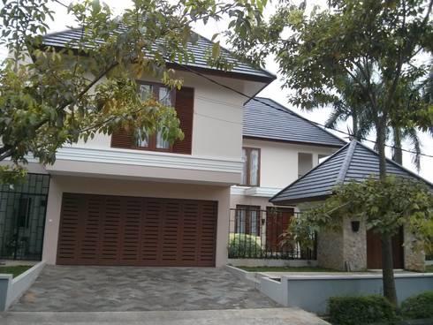 Rumah Tropis di Rempoa:   by Tama Tektonika