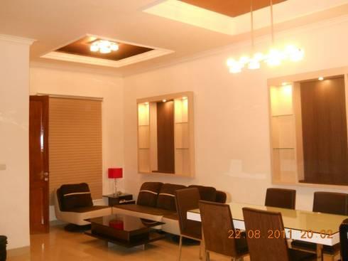 Renovasi Rumah Tinggal , Metro Sukarno Hatta – Bandung :  Ruang Keluarga by Amirul Design & Build