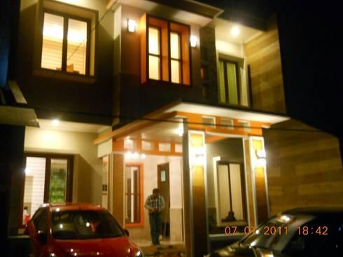 Renovasi Rumah Tinggal , Metro Sukarno Hatta – Bandung :  Rumah by Amirul Design & Build