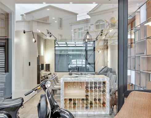 輕 湖口 別墅宅:  窗 by WID建築室內設計事務所 Architecture & Interior Design