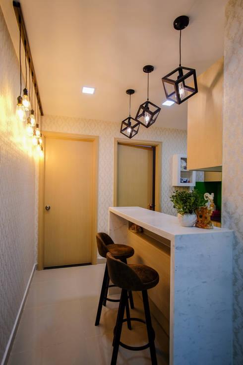 Căn hộ chung cư Oriental Plaza Âu Cơ:   by SenseHome Interior