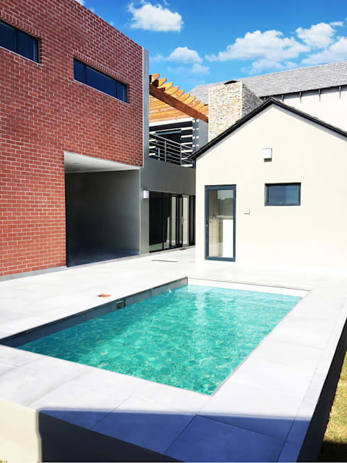 Swimming Pool:  Pool by TOP CENTRE PROPERTIES GROUP (PTY) LTD