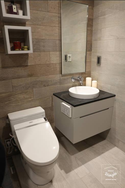 清晨的萊特-老屋翻新變身現代簡約居所:  浴室 by 酒窩設計 Dimple Interior Design