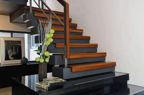 室內設計   SF House:  樓梯 by 黃耀德建築師事務所  Adermark Design Studio