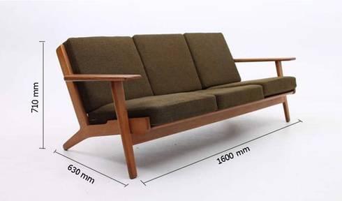 Ghế sofa chân gỗ hiện đại AP1-010 giá 10tr:   by Thiết kế nội thất căn hộ An Phú Decor
