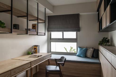 遊憩:  書房/辦公室 by 詩賦室內設計