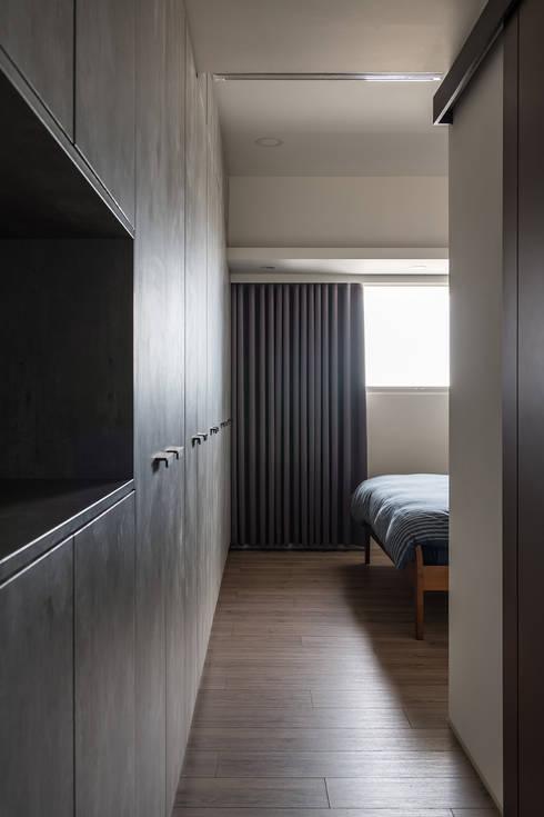 遊憩:  臥室 by 詩賦室內設計