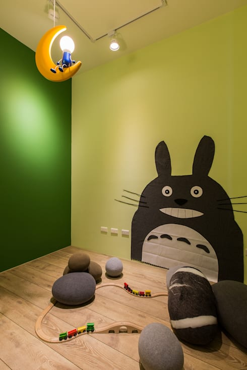 Nursery/kid's room by 詩賦室內設計