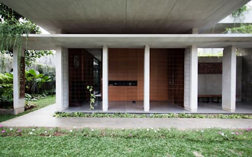 Tulodong IV :  Rumah by WOSO Studio