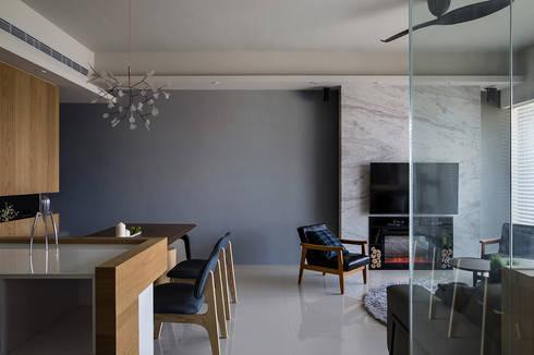 時間:  客廳 by 詩賦室內設計
