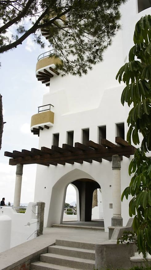 Hotel Parque Acuático El Tephe: Hoteles de estilo  por VISION+ARQUITECTOS