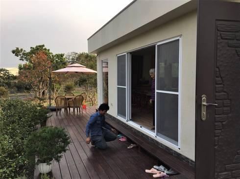 【客製化】移動宅-2房2廳2衛浴:   by 築地岩移動宅
