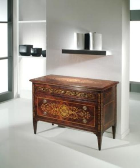 Camera da letto in stile  di M.I.A. Mobili Intarsiati Artistici - Luxury Furniture