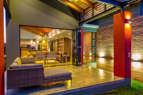 VERANDAH:  Single family home by ENDesigns Architectural Studio