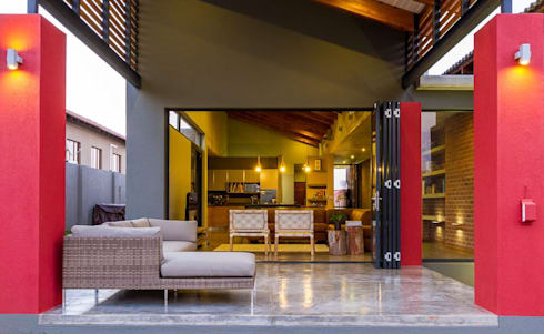 PATIO:  Patios by ENDesigns Architectural Studio