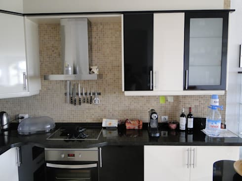 Kitchens:   by Sykes Property Solutions