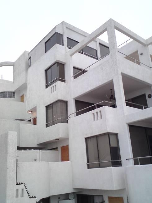 Edificio Vistazul :  de estilo  por  Arquitectos Roman&Toledo
