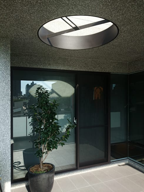 建築設計 五權 CD House:  露臺 by 黃耀德建築師事務所  Adermark Design Studio