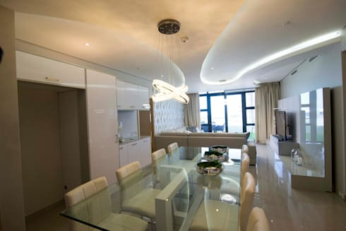 White Modern 3 Bedroom Apartment: minimalistic Dining room by Adore Design