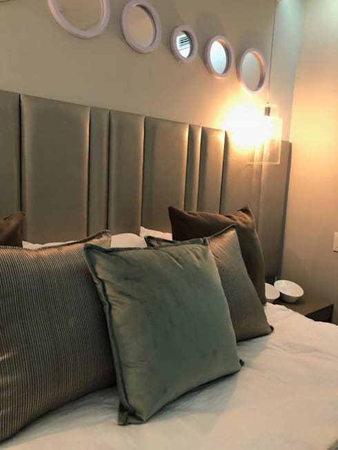 Something Blue at The Pearls of Umhlanga: modern Bedroom by Adore Design
