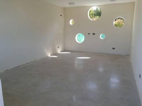 CASA  DONOSO: Casas de estilo minimalista por AOG